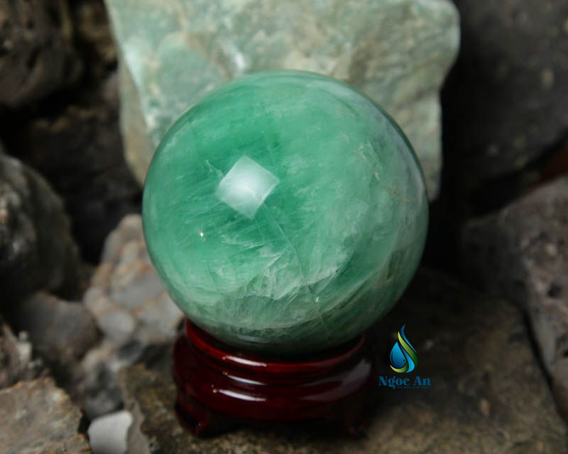 quả cầu đá phong thủy tự nhiên