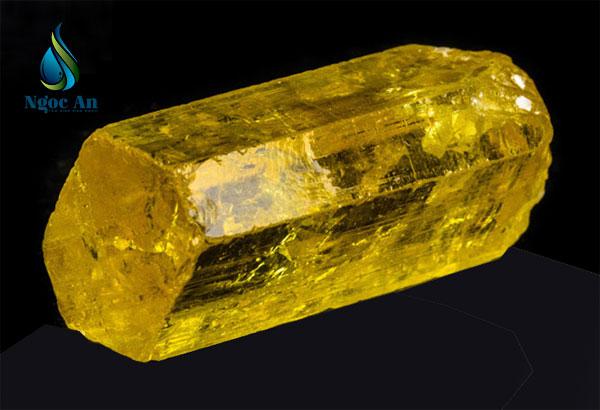 đá bery màu vàng