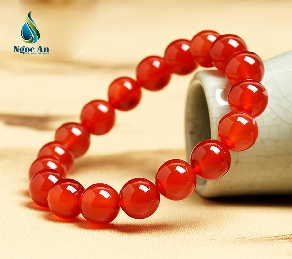 vòng tay phong thủy màu đỏ