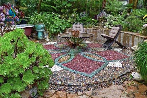 đá cuội thạch anh dải sân vườn