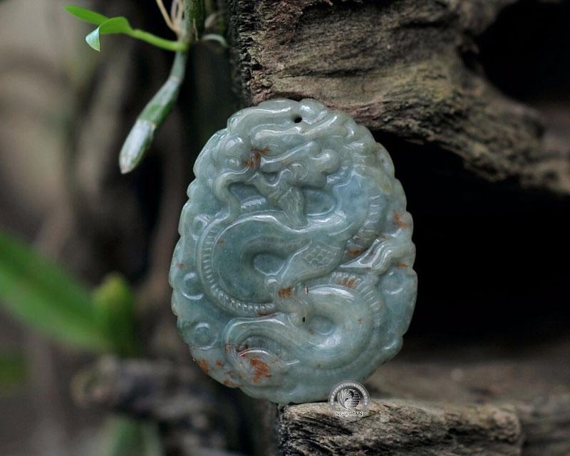 Rồng được chế tác từ đá cẩm thạch
