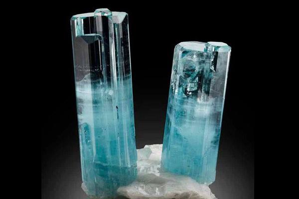 tinh thể đá aquamarine